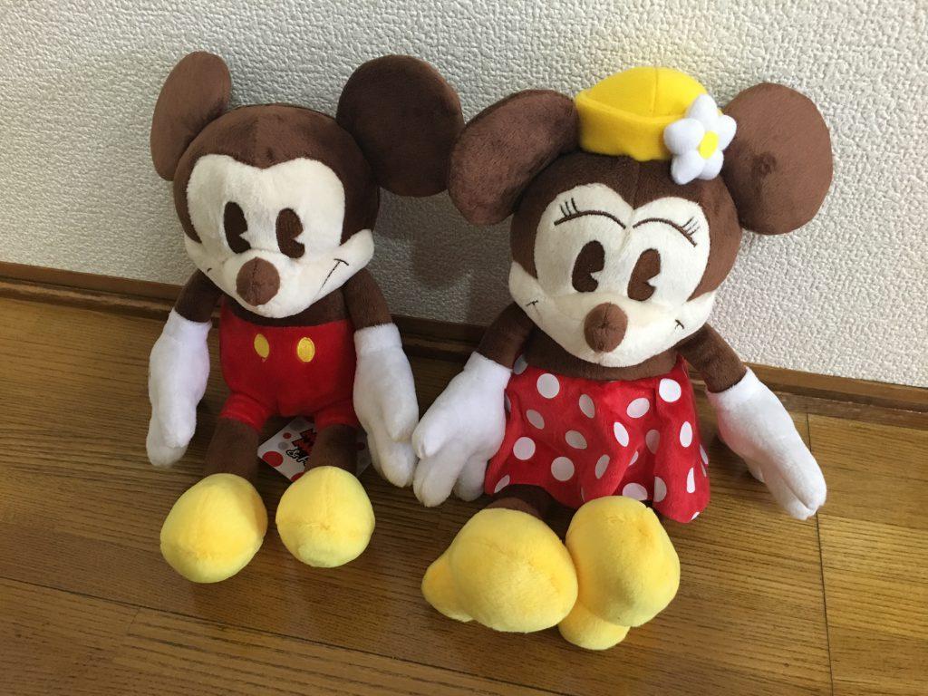 ミッキーとミニーのぬいぐるみ