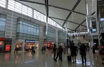 デトロイト空港