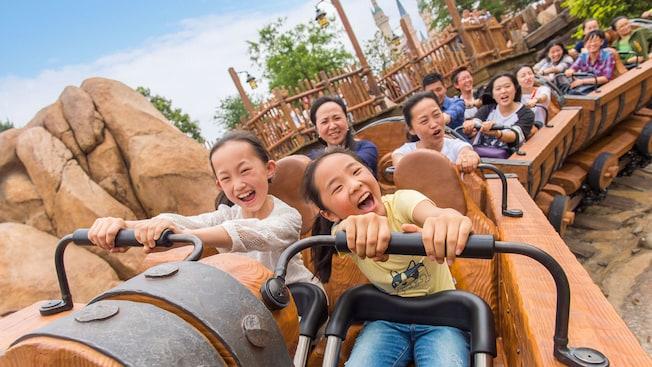 上海ディズニーランド・七人の小人のマイントレイン