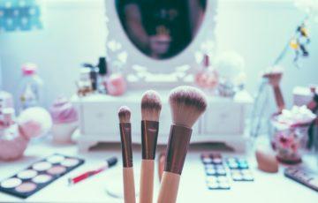 コスメの口コミはアプリで調べる!おすすめの化粧品口コミアプリ3つ